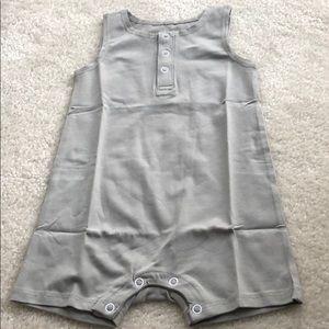 June & January gray sleeveless romper 6/12 month